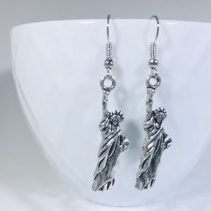 🗽Antique Silver Statue of Liberty Earrings